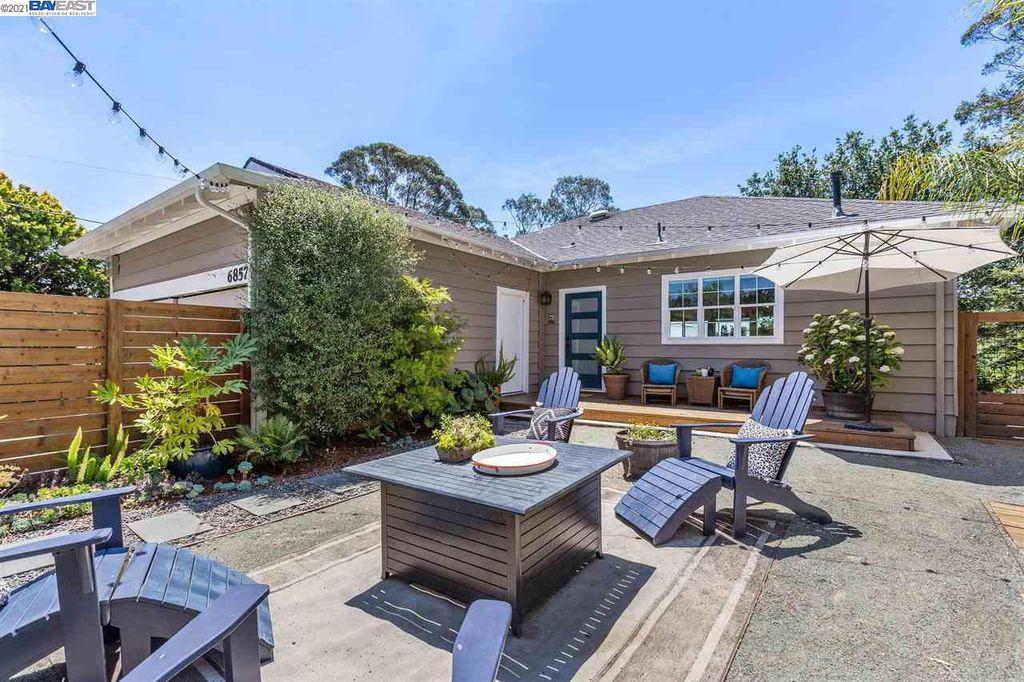 6857 Ridgewood Dr, Oakland, CA 94611