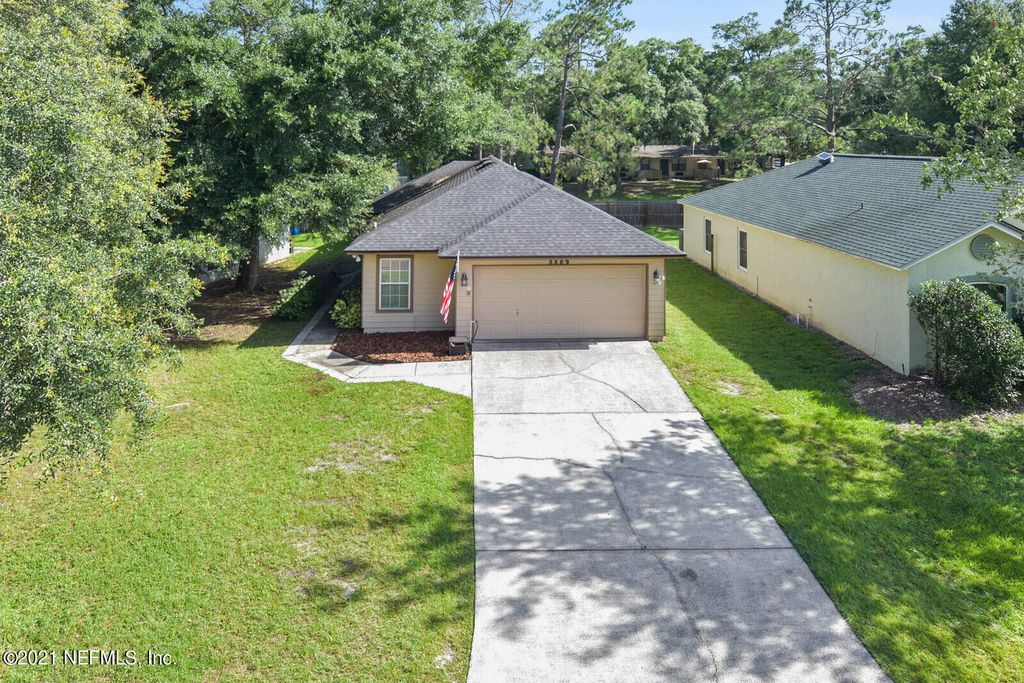 5569 Oak Crossing Dr, Jacksonville, FL 32244