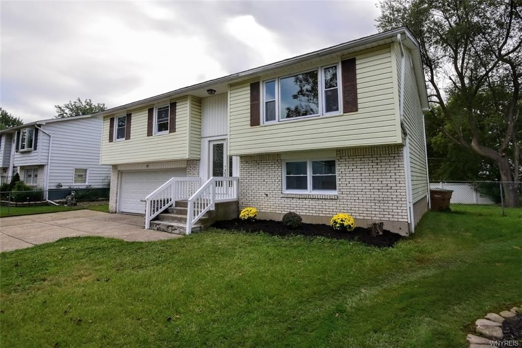 67 Gregory Ct, Depew, NY 14043
