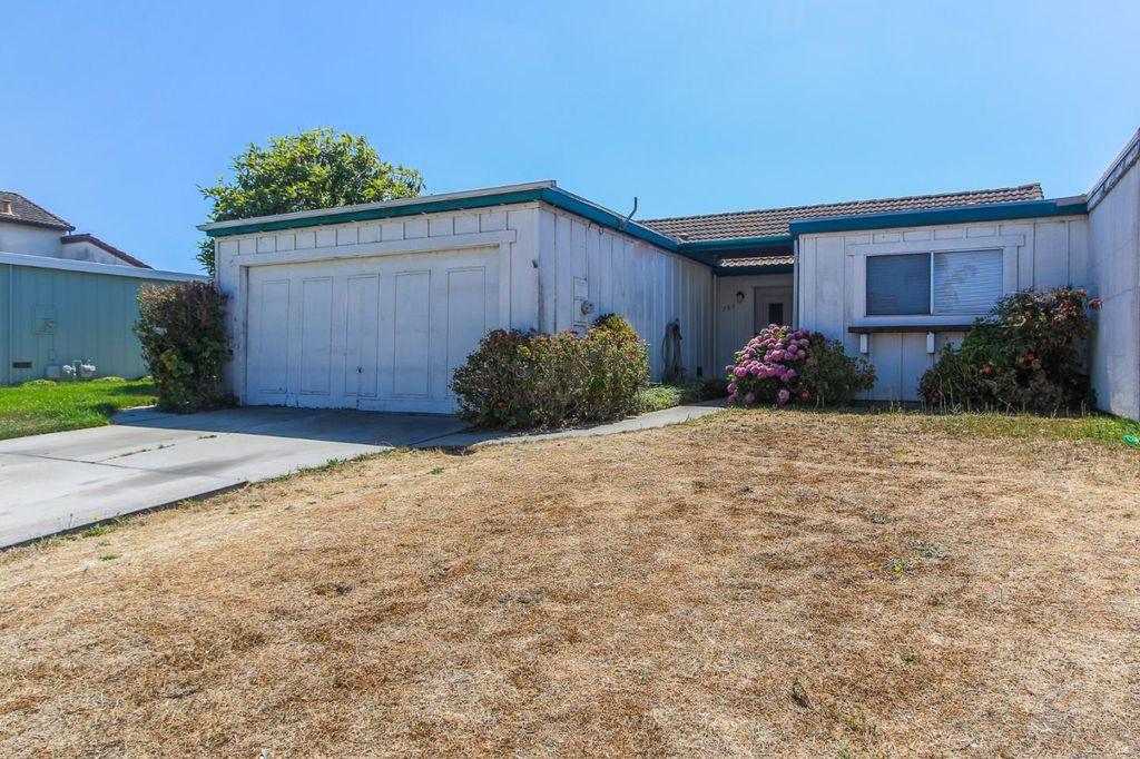 755 Leese Dr, Salinas, CA 93907