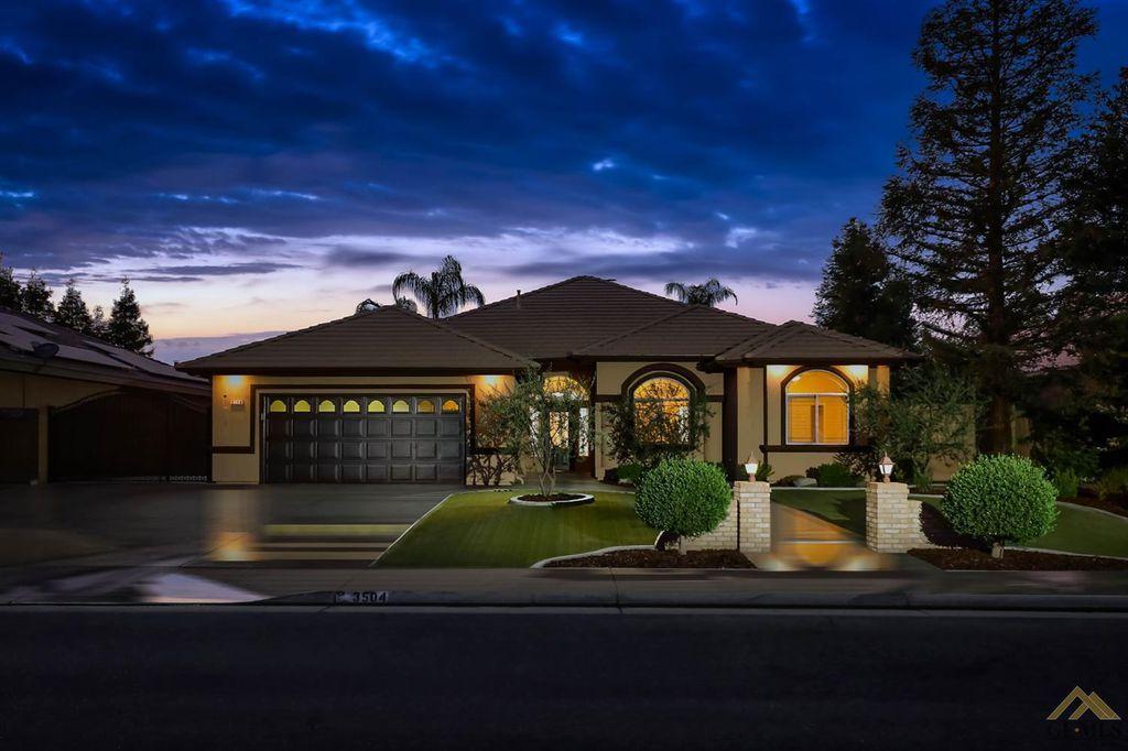 3504 Buccaneer Rose Ave, Bakersfield, CA 93313