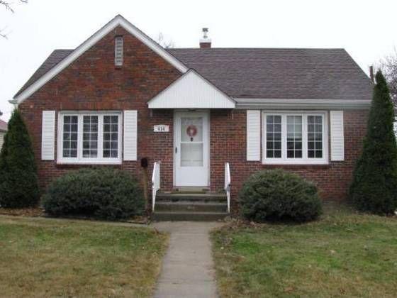 414 W 30th St, Kearney, NE 68845