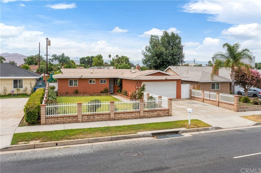10462 Hole Ave, Riverside, CA 92505