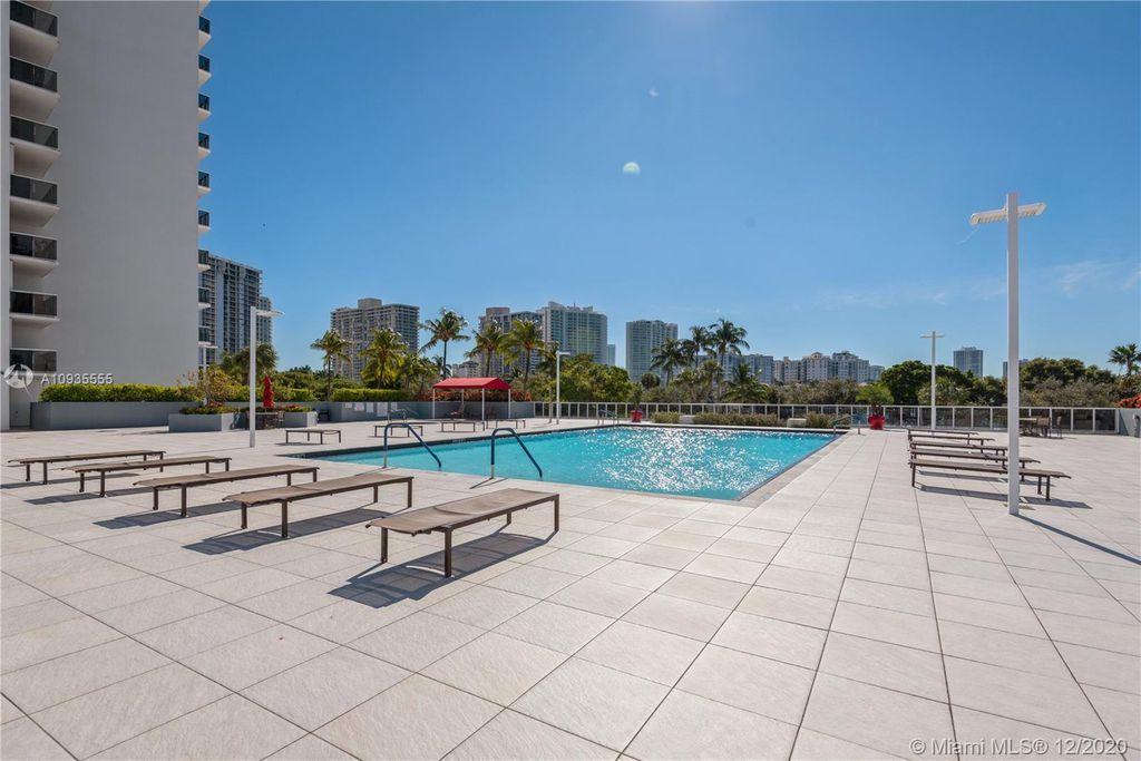 3675 N Country Club Dr #2606-2605, Miami, FL 33180