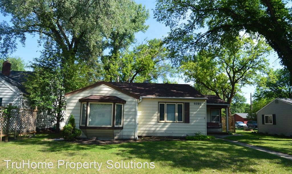 2508 5th Ave N, Grand Forks, ND 58203