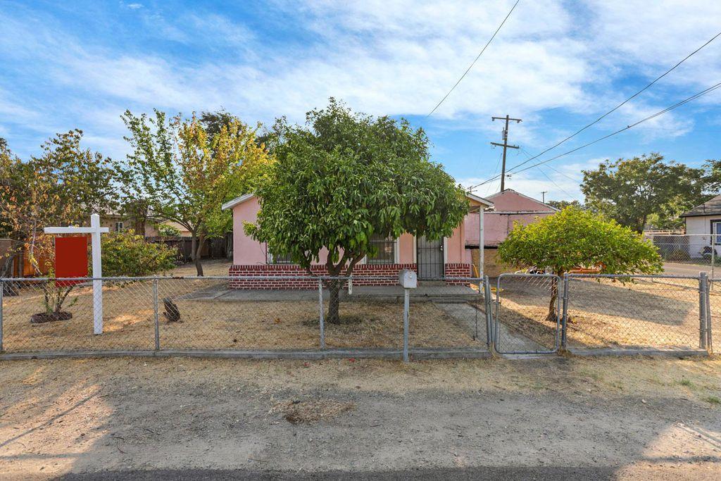 1551 Chronicle Ave, Stockton, CA 95205
