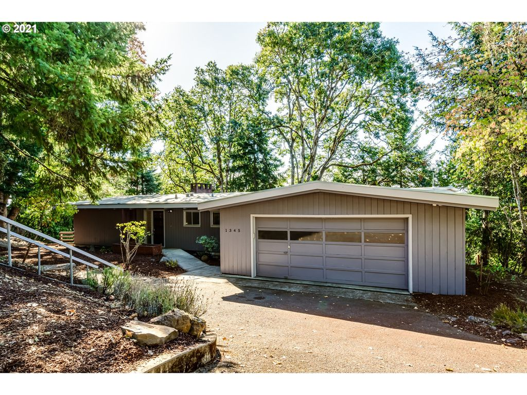1345 NW Forest Dr, Corvallis, OR 97330
