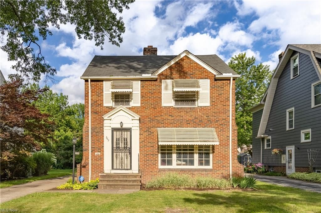 869 Cambridge Rd, Cleveland Heights, OH 44121