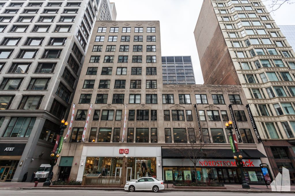 20 N State St #401, Chicago, IL 60602