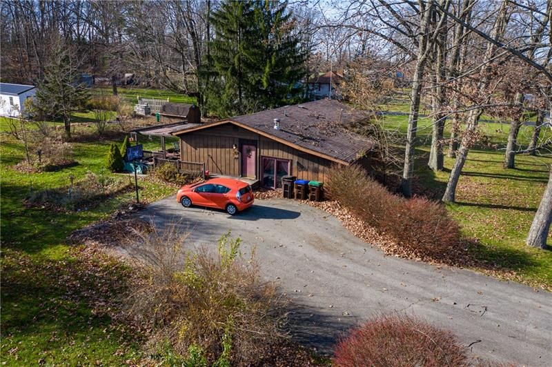 3366 Morefield Rd, Hermitage, PA 16148