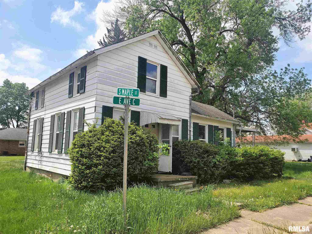 121 E Avenue C, Lewistown, IL 61542