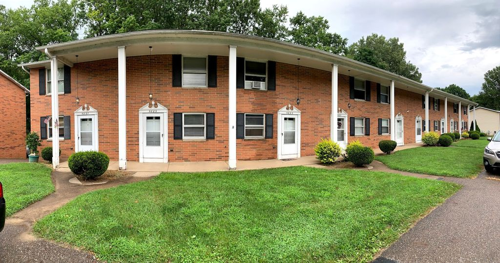 5885 Portage St NW, North Canton, OH 44720