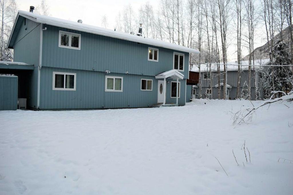 24044 Dolly Ave #E-3, Chugiak, AK 99567