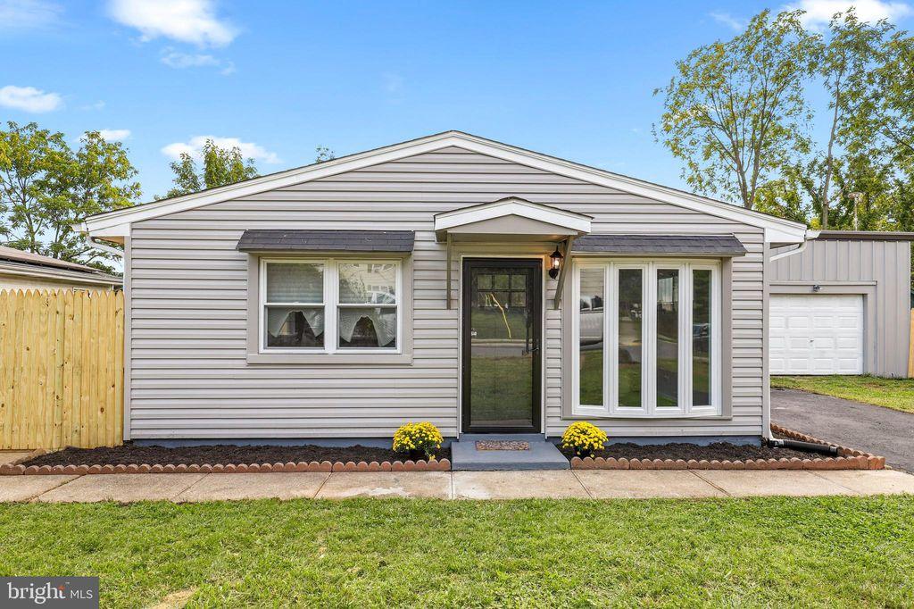 1808 Colmar Rd, Gwynn Oak, MD 21207