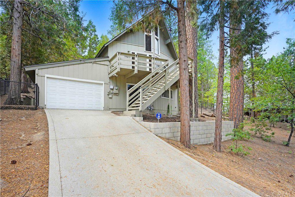 27169 Peninsula Dr, Lake Arrowhead, CA 92352