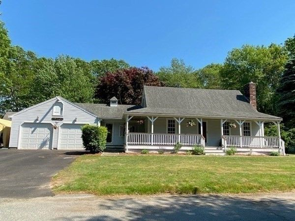 44 Trotters Ln, Barnstable, MA 02630