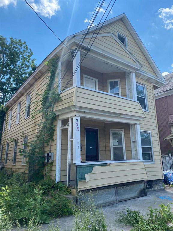 733 Bailey St, Schenectady, NY 12303