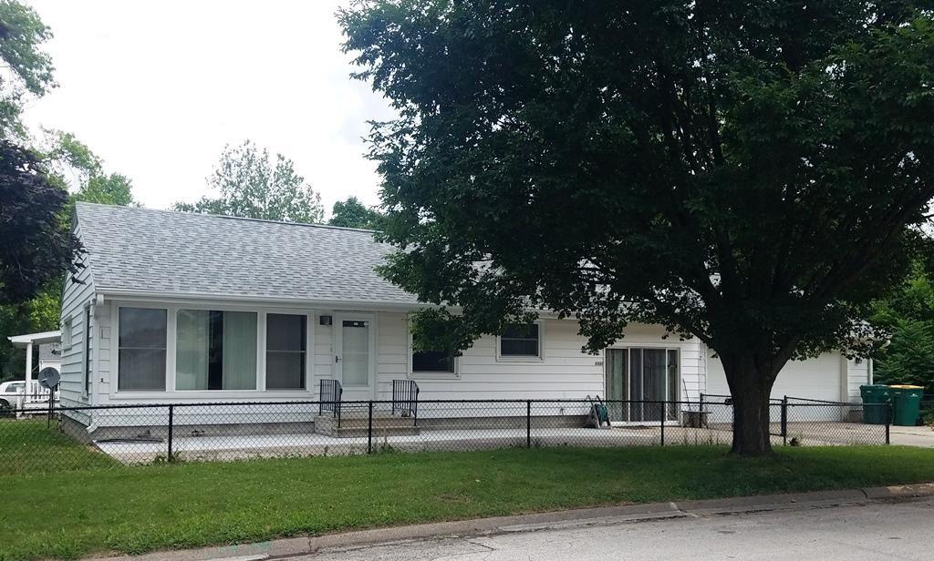 1122 W Carroll St, Macomb, IL 61455