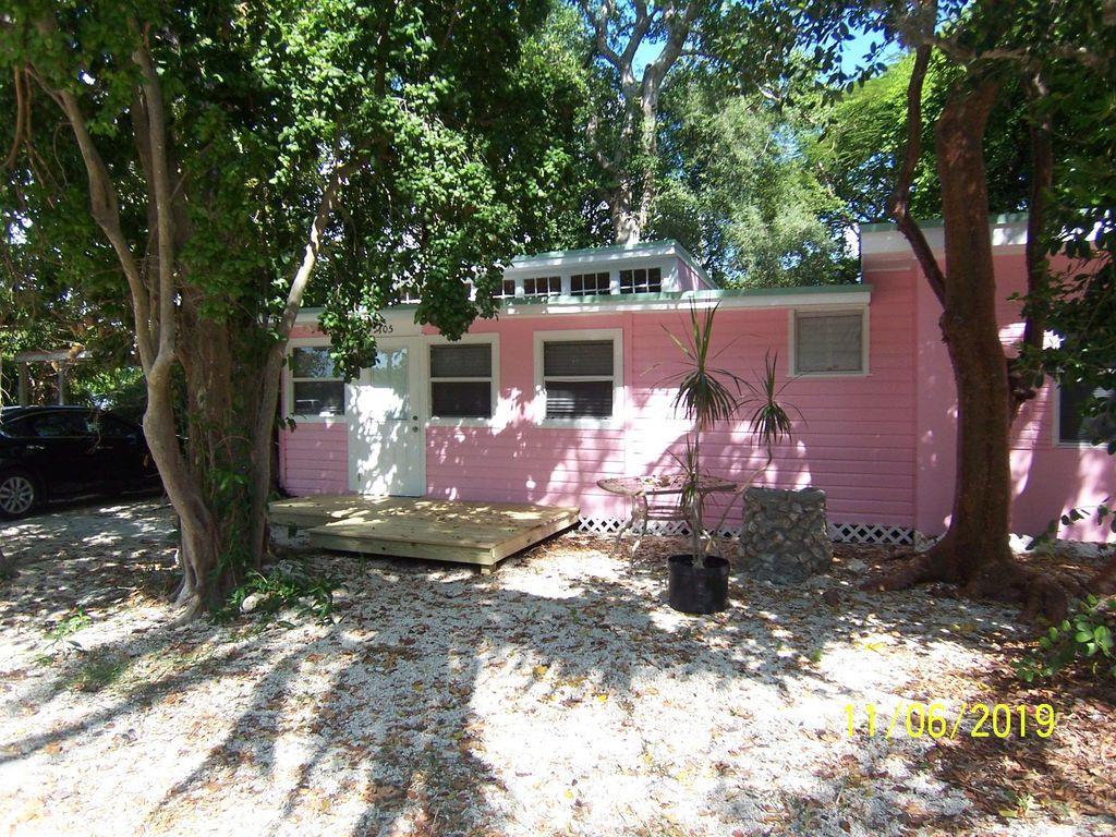105 Tree Ln, Tavernier, FL 33070