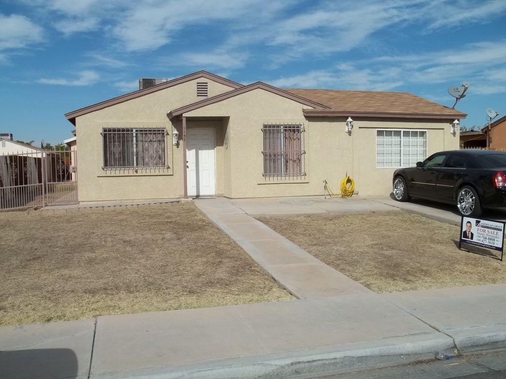 1157 Rancho Elegante Dr, Calexico, CA 92231