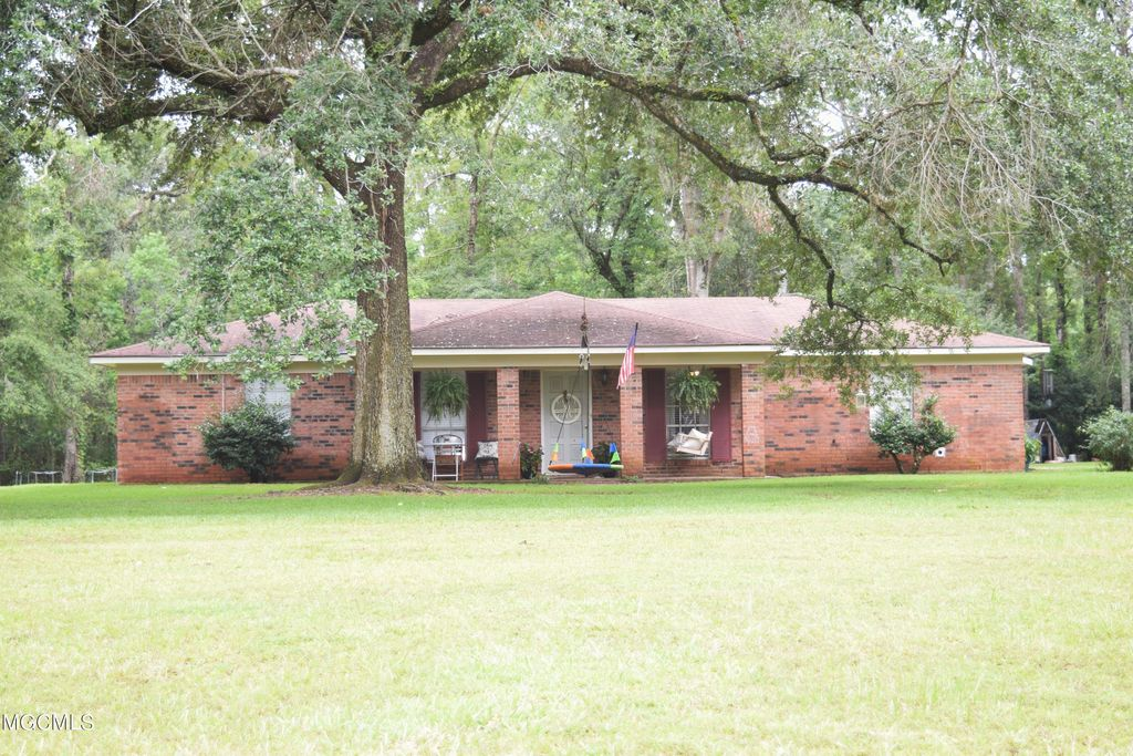 150 Mill Street Ext, Lucedale, MS 39452
