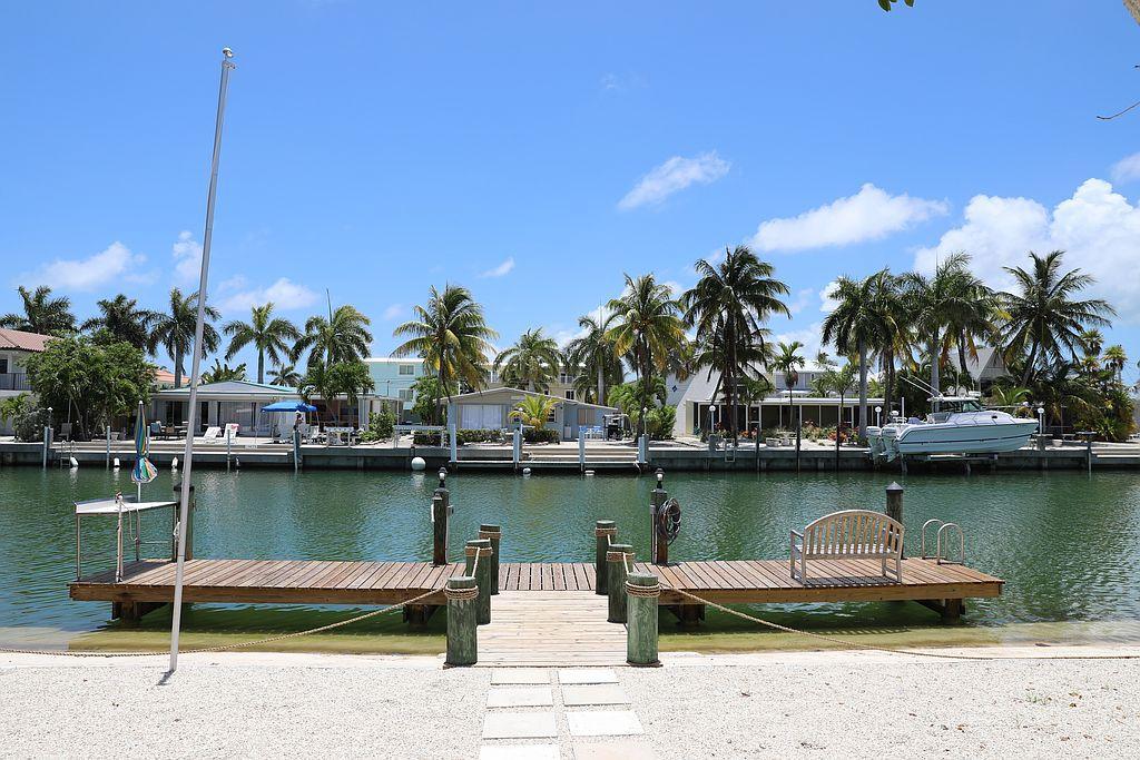 451 4th St, Key Colony, FL 33051