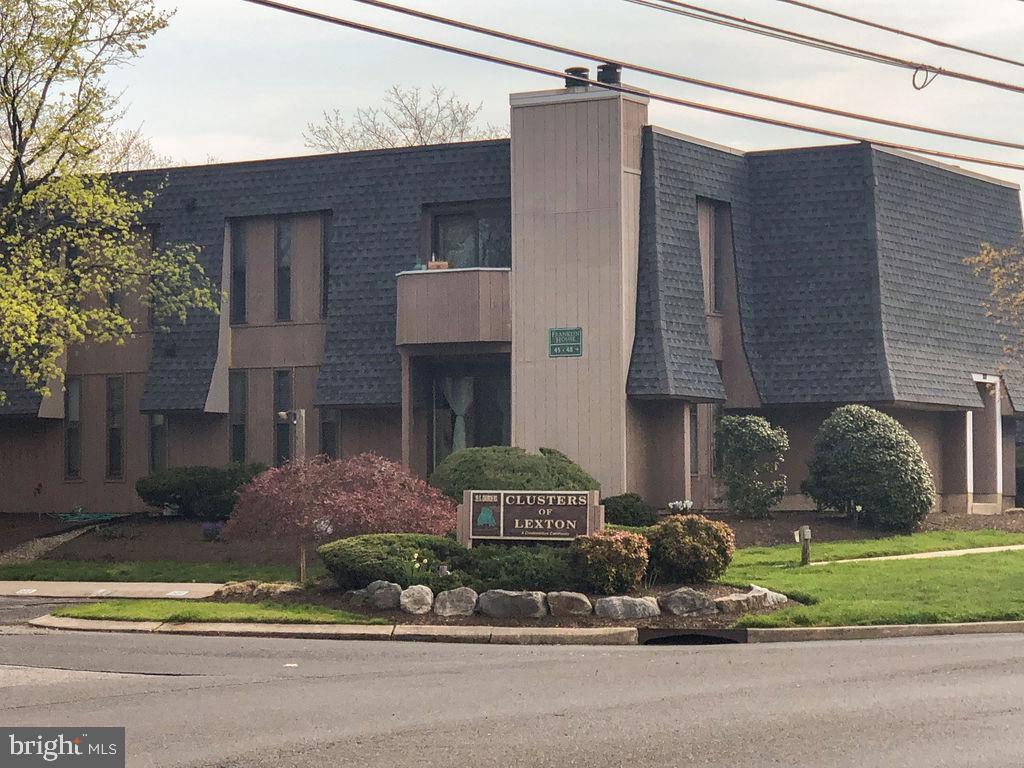 25 S Church Rd #74, Maple Shade, NJ 08052