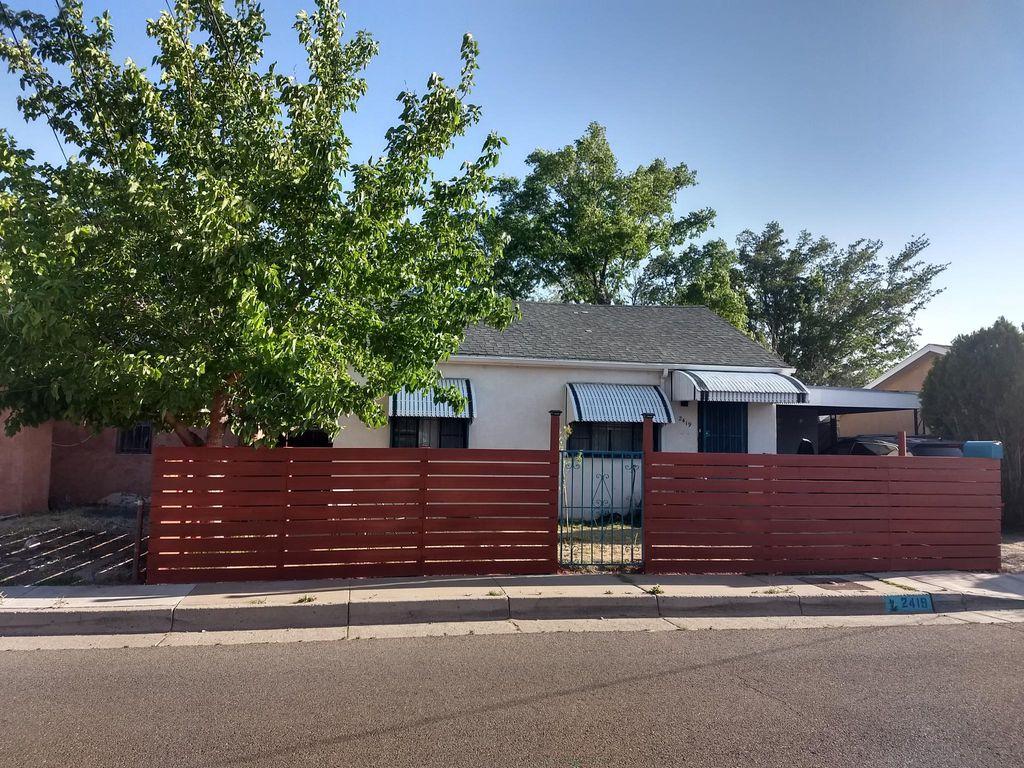 2419 Edna Ave NW, Albuquerque, NM 87104