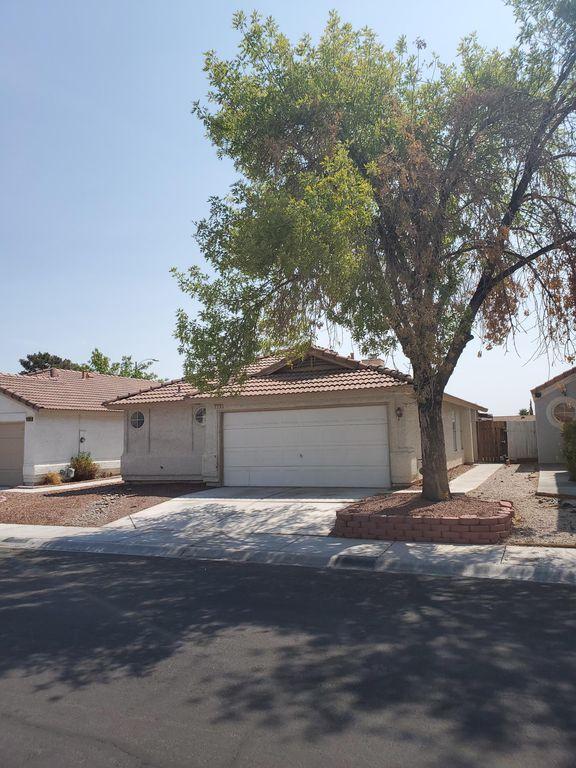 2728 Ironside Dr, Las Vegas, NV 89108