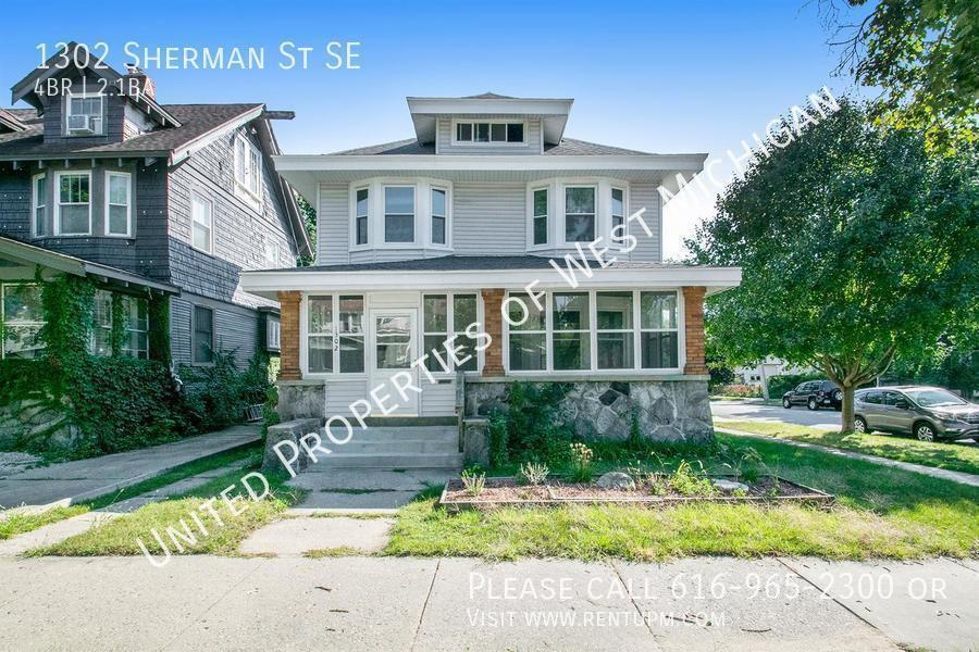 1302 Sherman St SE, Grand Rapids, MI 49506