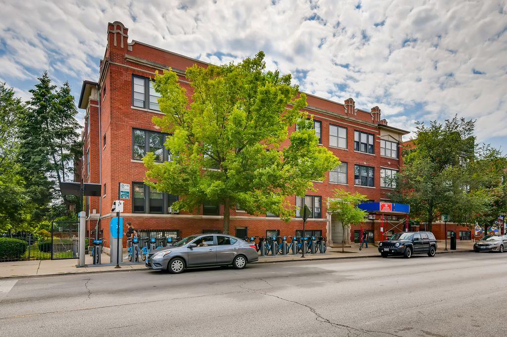 1907 W Montrose Ave #3, Chicago, IL 60613