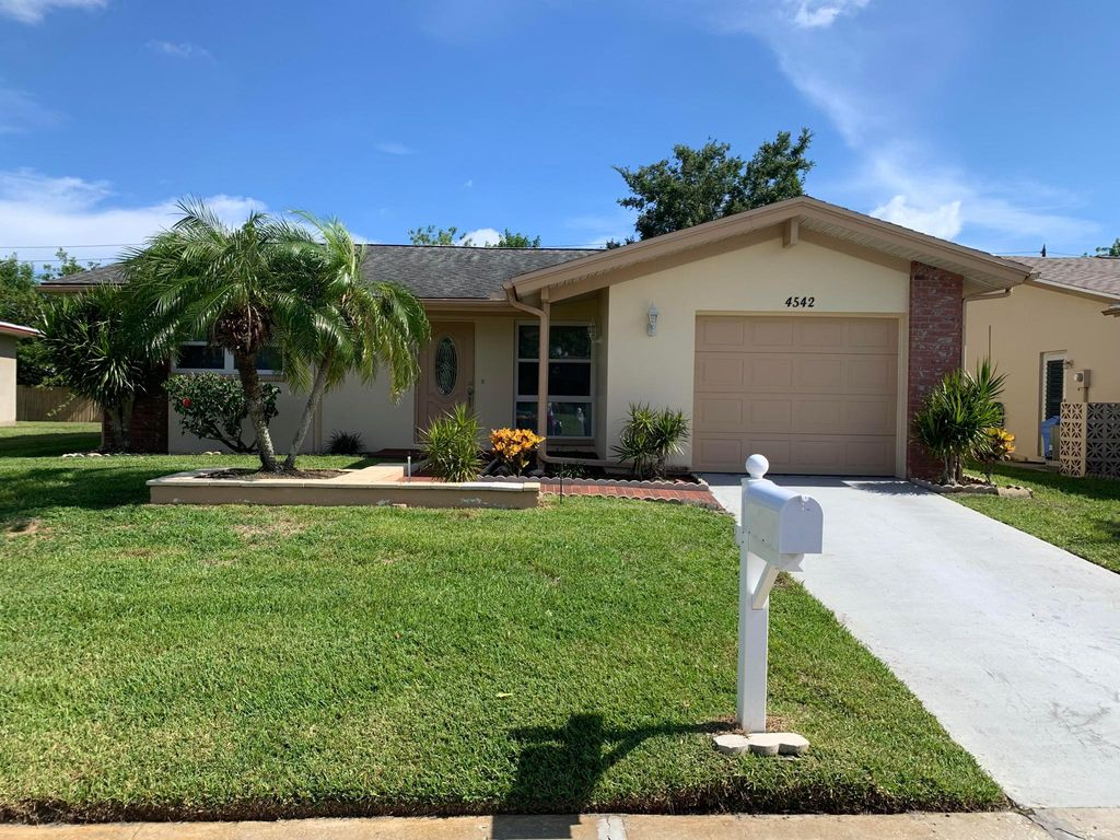 4542 Great Lakes Dr S, Clearwater, FL 33762