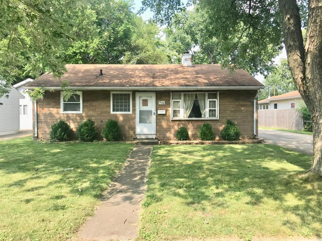 8133 Wicker Park Dr, Highland, IN 46322