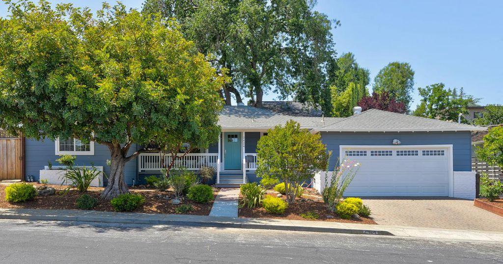 2424 Saint Francis Way, San Carlos, CA 94070