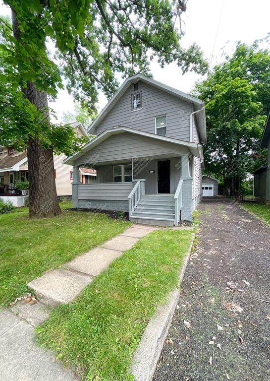 947 Peerless Ave, Akron, OH 44320