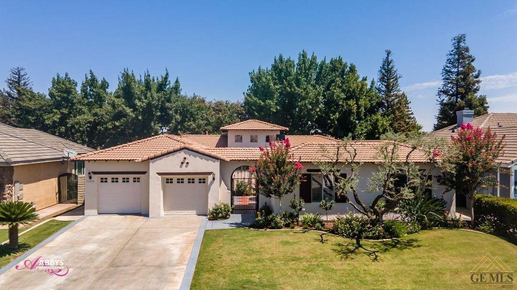 11206 Crowborough Ct, Bakersfield, CA 93311