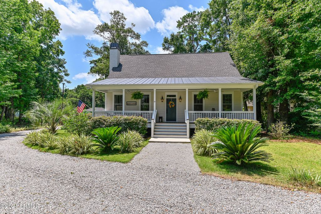 10 Four Winds Ave, Beaufort, SC 29907