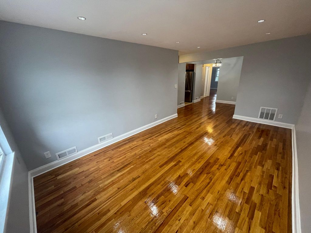 4189 E Tremont Ave #2, Bronx, NY 10465