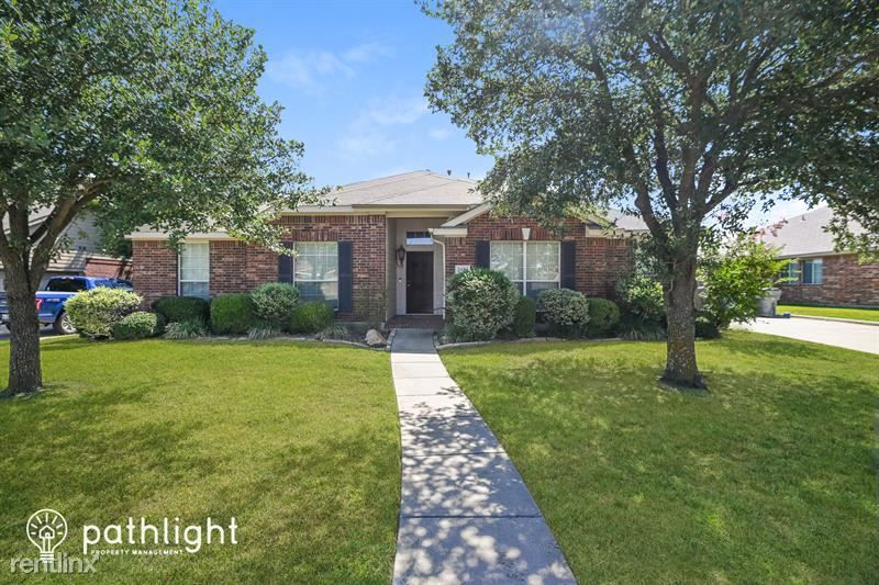 2003 Monarch Dr, Forney, TX 75126