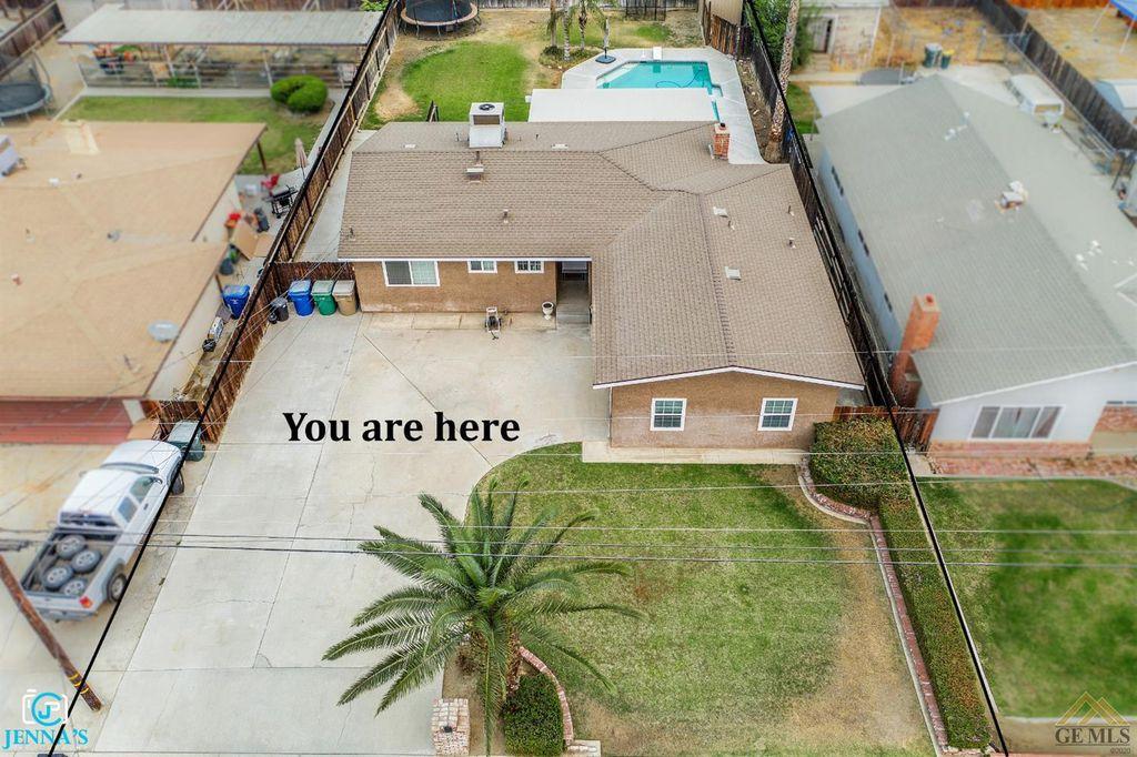 10104 Glenn St, Bakersfield, CA 93312
