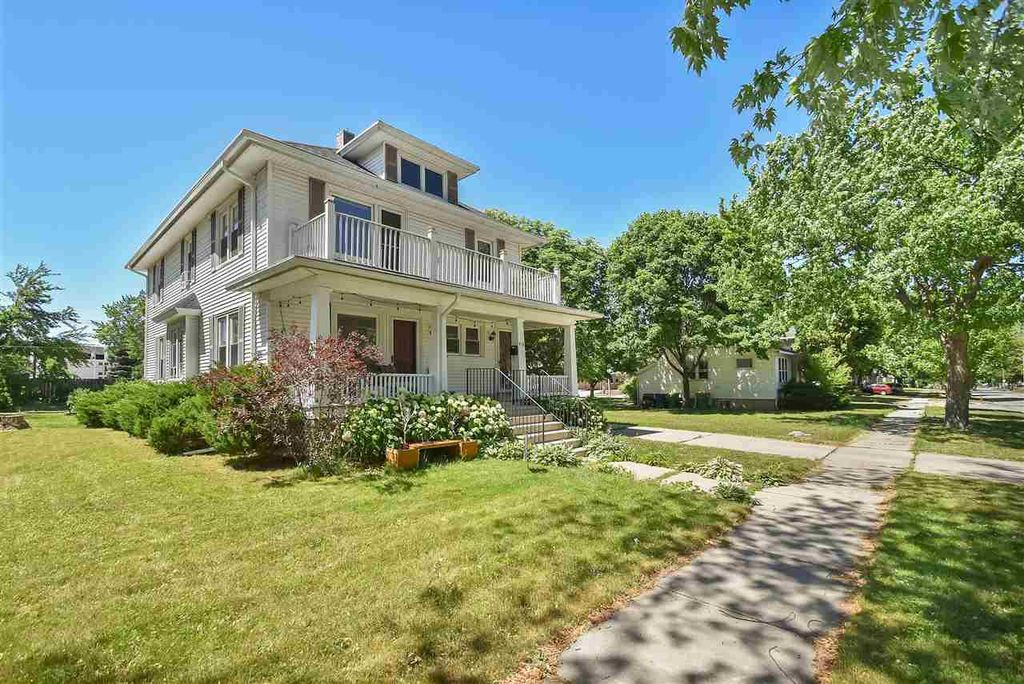 914 S Clay St, Green Bay, WI 54301