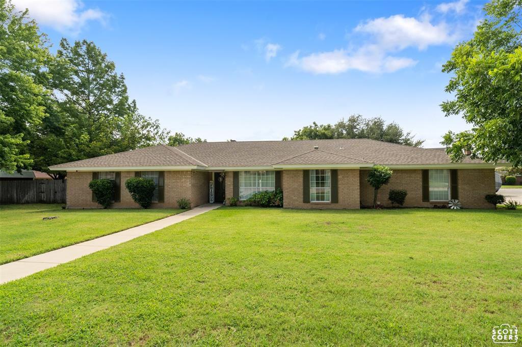 3201 Asbury St, Brownwood, TX 76801