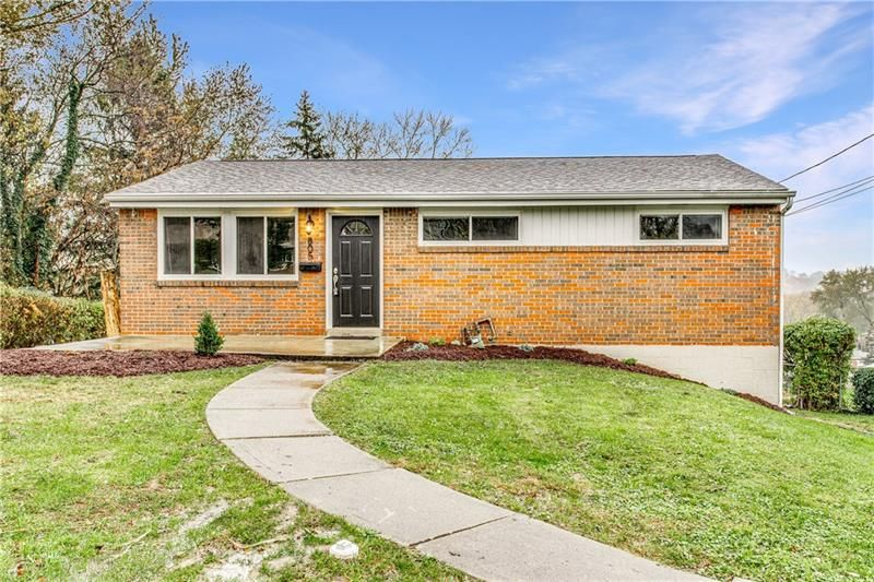805 Hackberry Dr, Monroeville, PA 15146