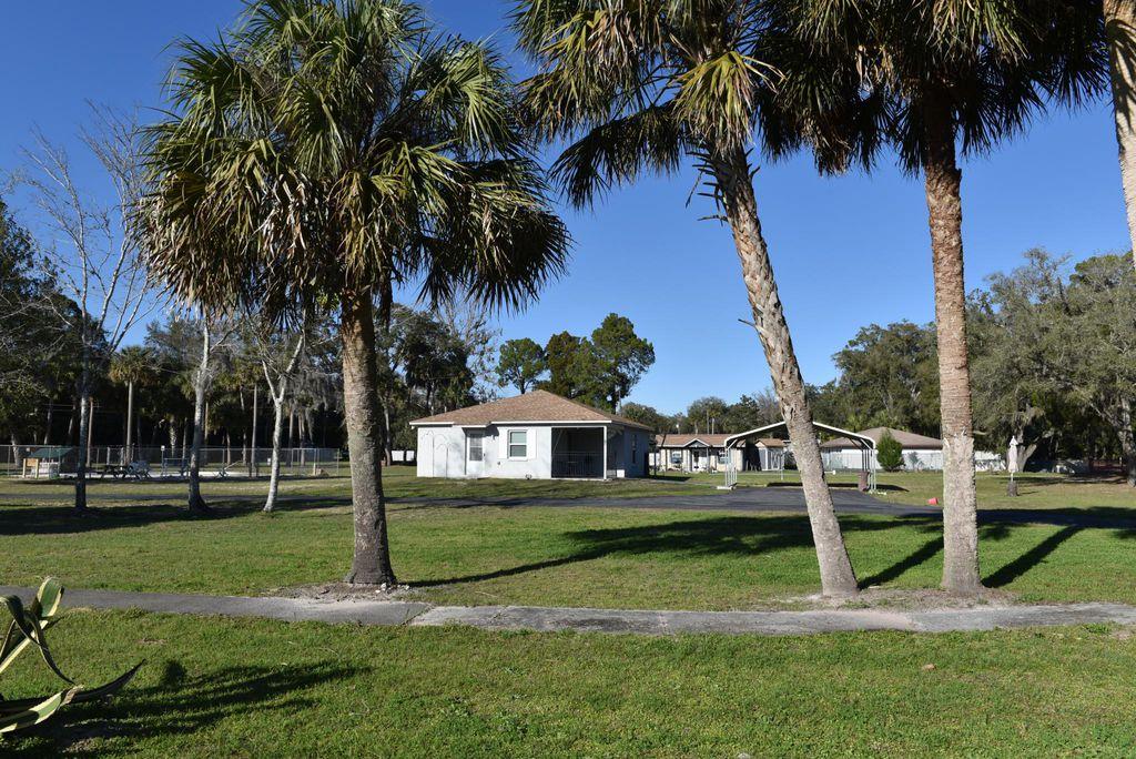 325 S Inglis Ave, Inglis, FL 34449