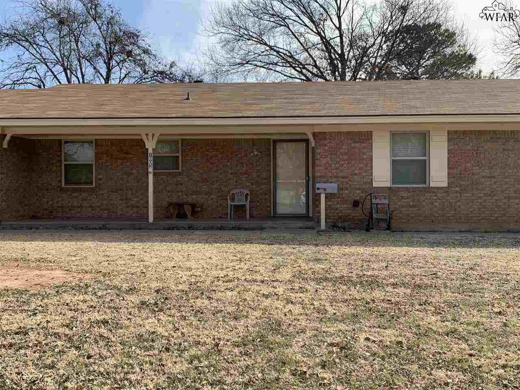 1003 S Preston Rd, Burkburnett, TX 76354