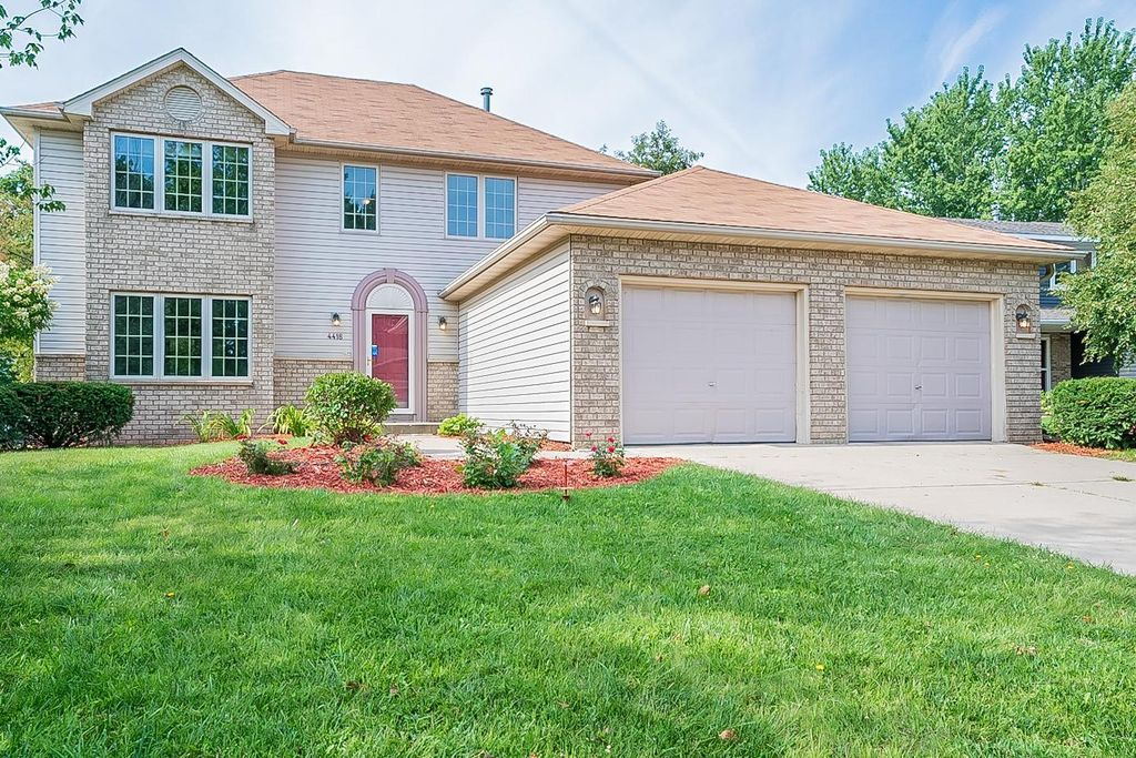 4418 Newcastle Ln NW, Rochester, MN 55901