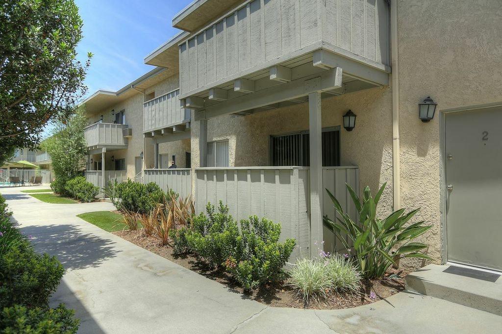 16221 Cornuta Ave #19, Bellflower, CA 90706