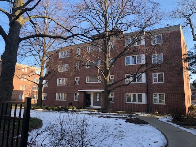 7200 Oak Ave #2SW, River Forest, IL 60305