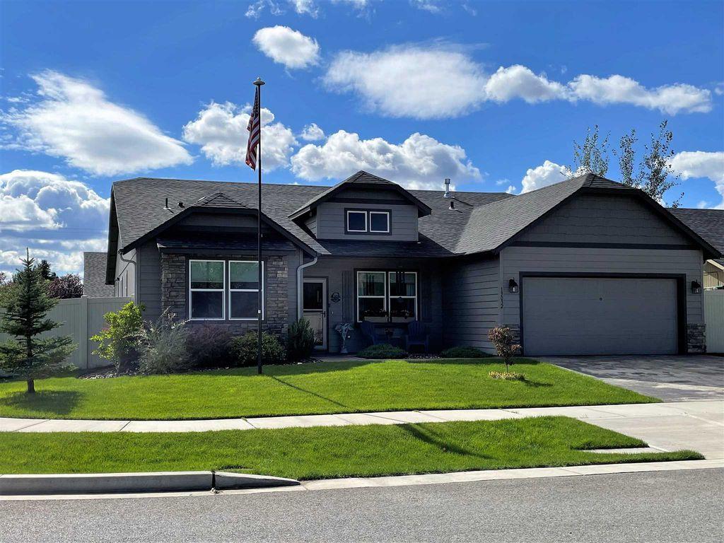 19032 E Grace Ave, Spokane Valley, WA 99027