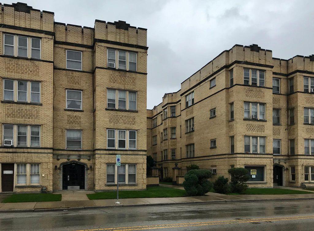 2109 Oak Park Ave #309, Berwyn, IL 60402
